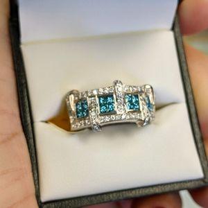 18k blue & white diamond ring